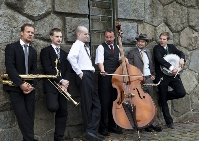 http://www.jazzvolunteers.cz/wp-content/uploads/2014/12/MG_4601-640x4271.jpg